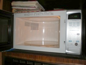 Make your own microwave oven cleaner